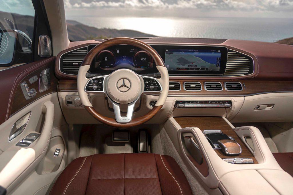 Mercedes-Maybach 600GLS Drivers seat/Dashboard