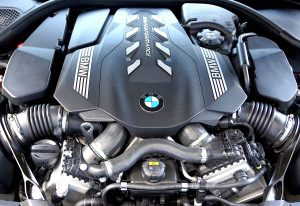 BMW 550i 4.4 liter twin turbo V8 engine