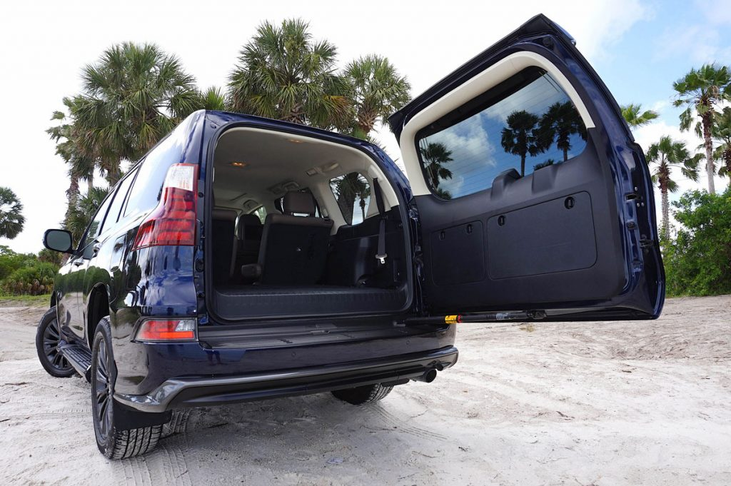 Lexus GX460 tailgate
