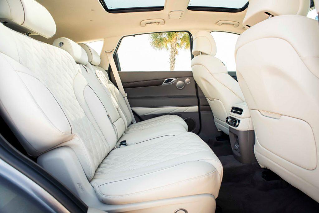 Genesis GV80, backseats