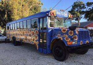 Arty Van Gogh bus