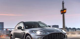 Aston Martin DBX DBX driving, front